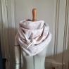 Grand foulard en liberty betsy dragée et polaire écrue